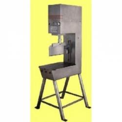 Гидравлическая гильотина для разруба голов КРС, модель GVL, Torras
