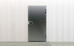 Двери распашные холодильные специального назначения РД (СН)